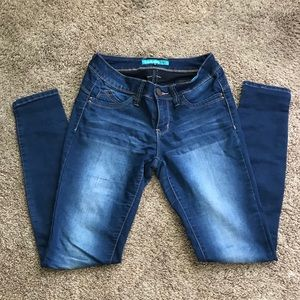 YMI Jeanswear   Great pre-loved fitted jeans